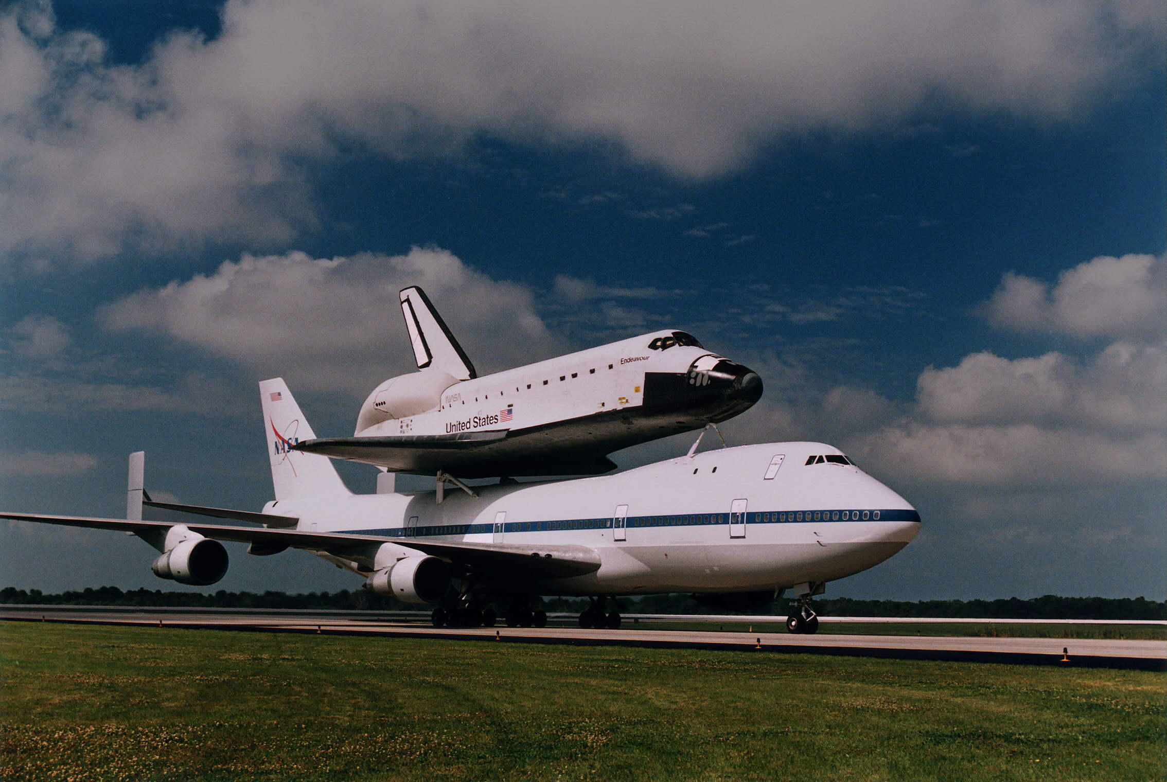 Last chances to see NASA's Space Shuttles in the air ...
