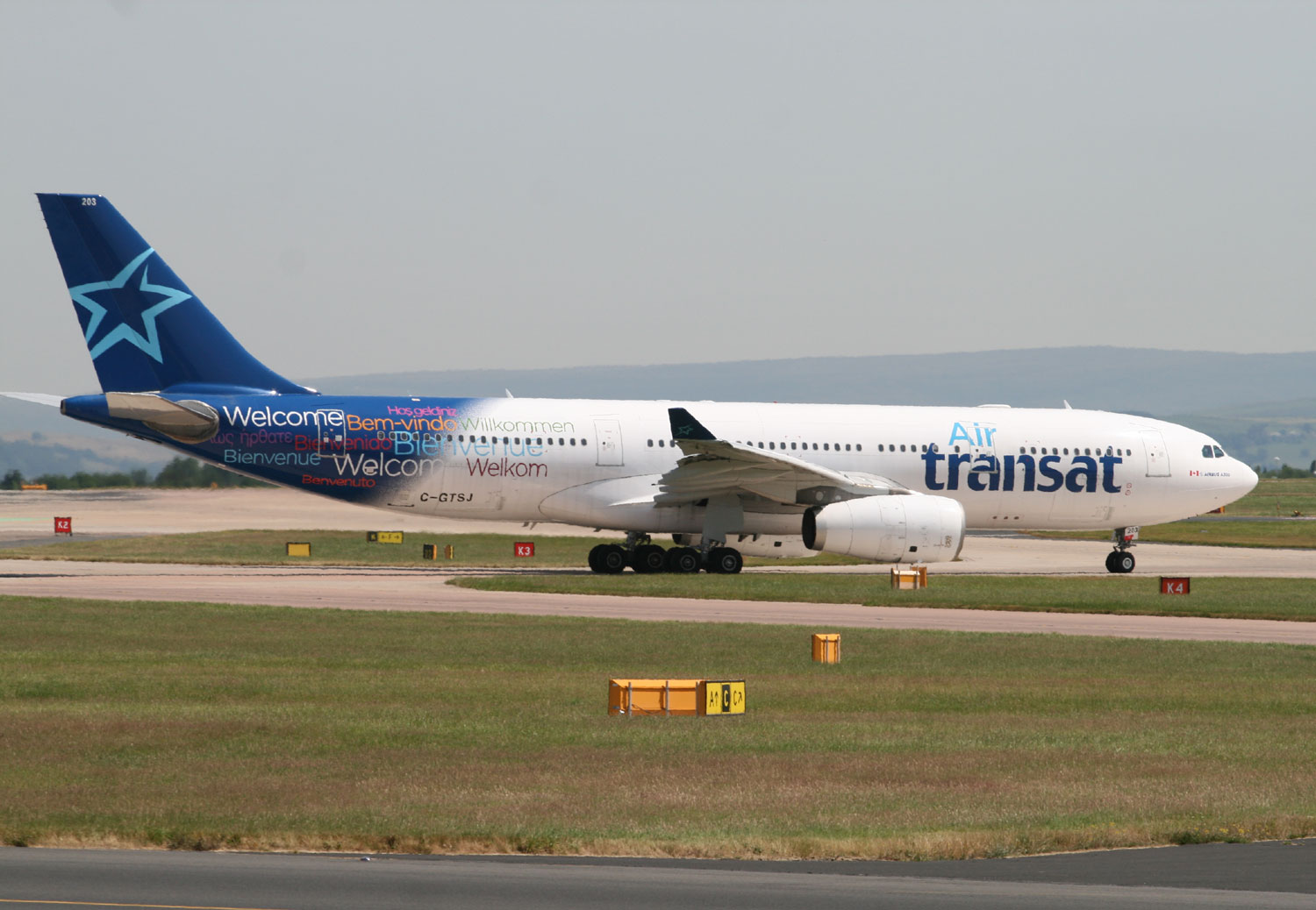 air transat to lease 737s airport spotting