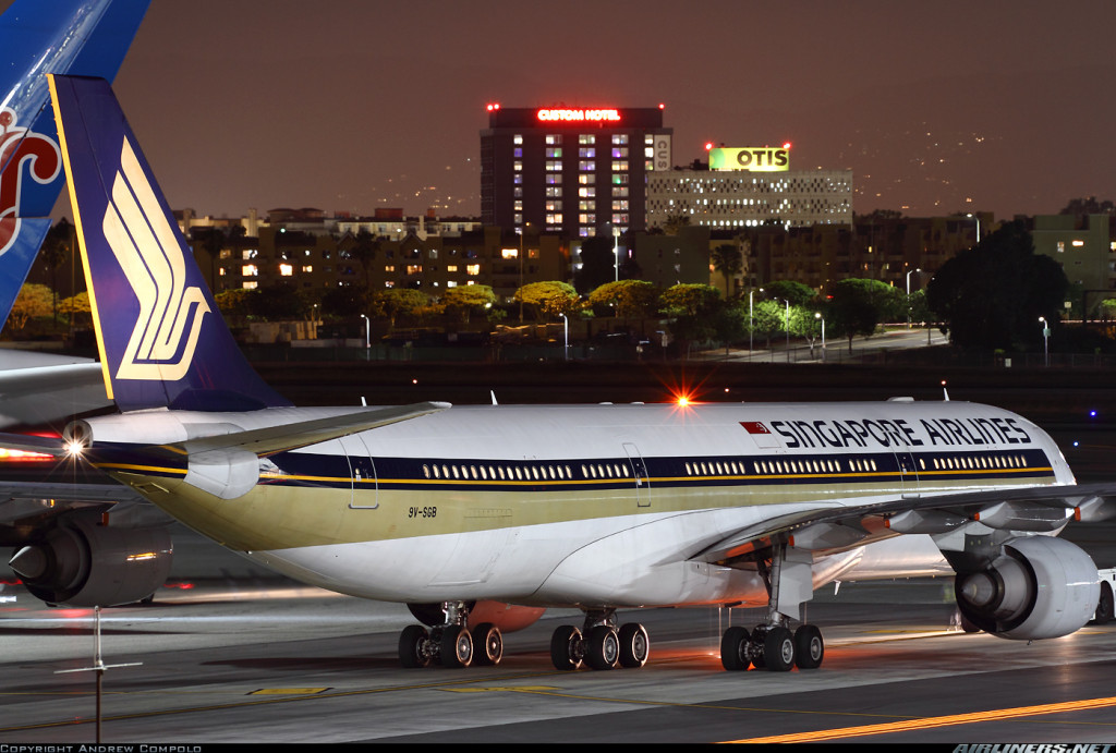 Singapore Airlines A340-500 by Andrew Compolo