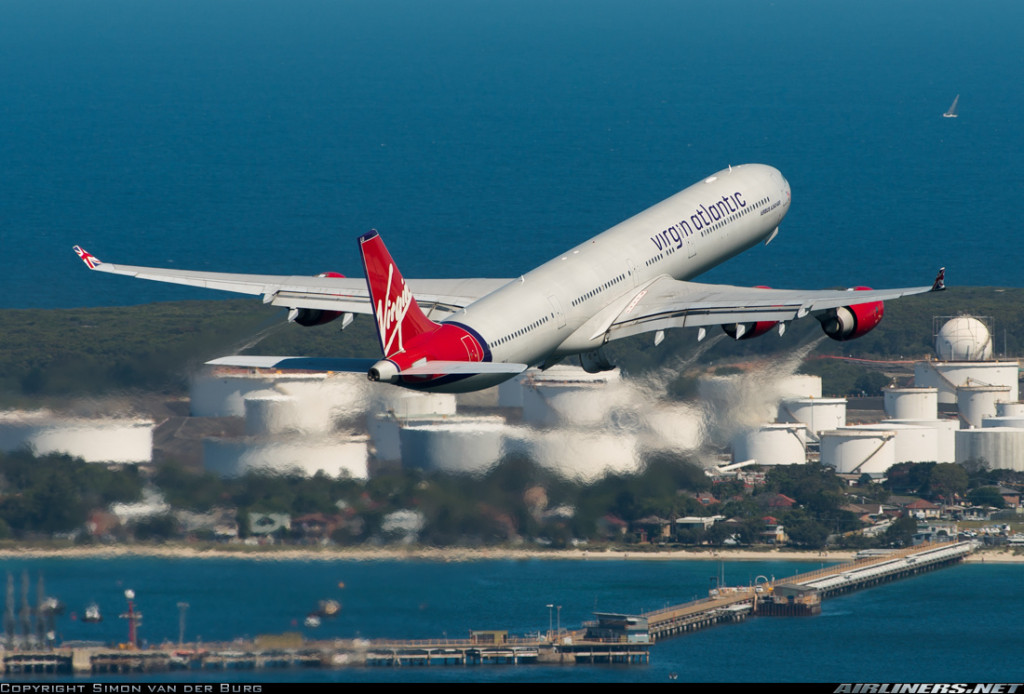 Virgin Atlantic A340-600 at Sydney (c) SimonVanDerBurg