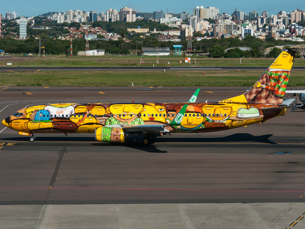 "PR-GUO (grafitti) now is the official airplane to carry Brazilian Team in World Cup It was painted by ""Os Gemeos"" (the twins) (c) Eduardo Teodoro"