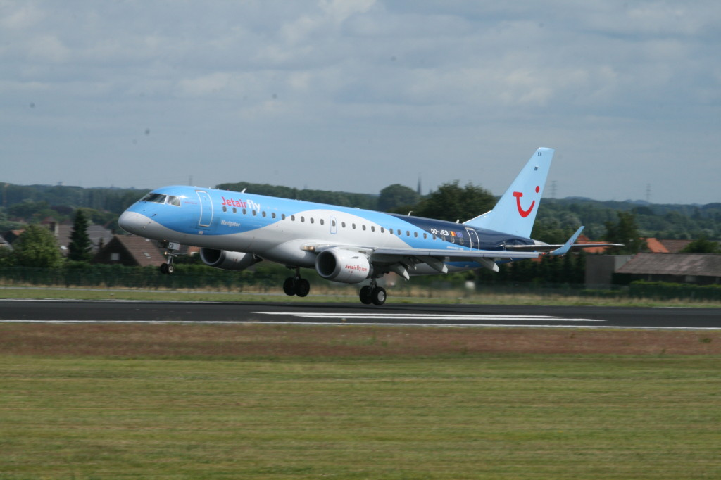 Jetairfly Embraer 195 OO-JEB at Brussels