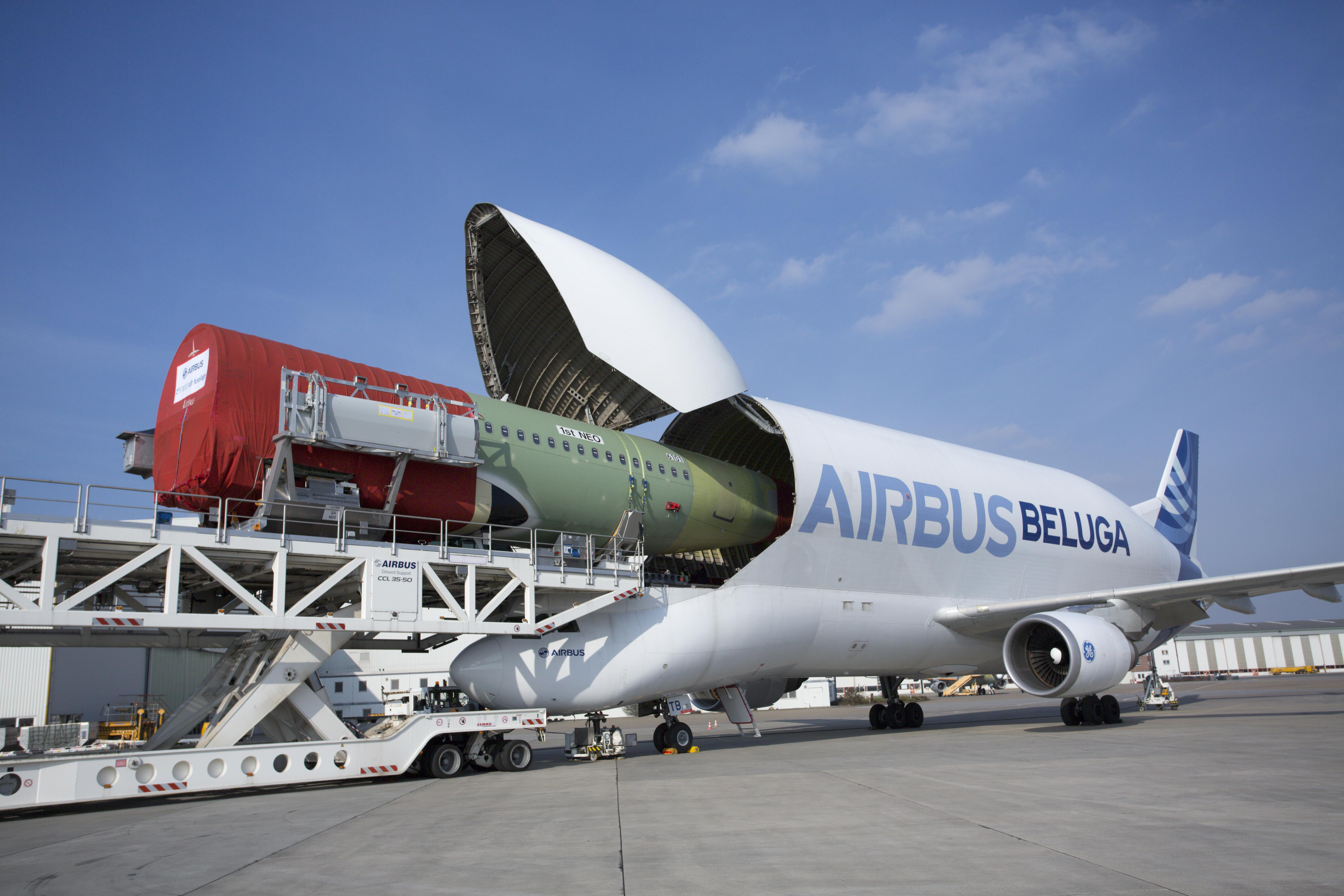MSN 6101 First NEO fuselage loading into Beluga from HAM to TLS