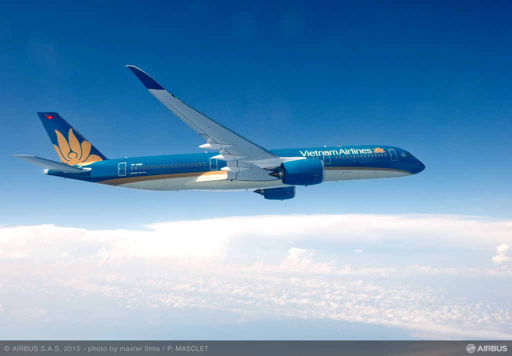 A350_XWB_Vietnam_Airlines_in_flight_4