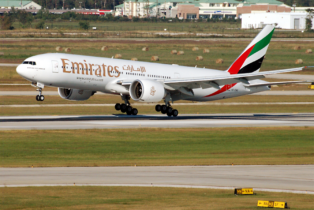 By Alex Steffler from Houston, TX, US (Emirates  Uploaded by Altair78) [CC BY 2.0 (http://creativecommons.org/licenses/by/2.0)], via Wikimedia Commons