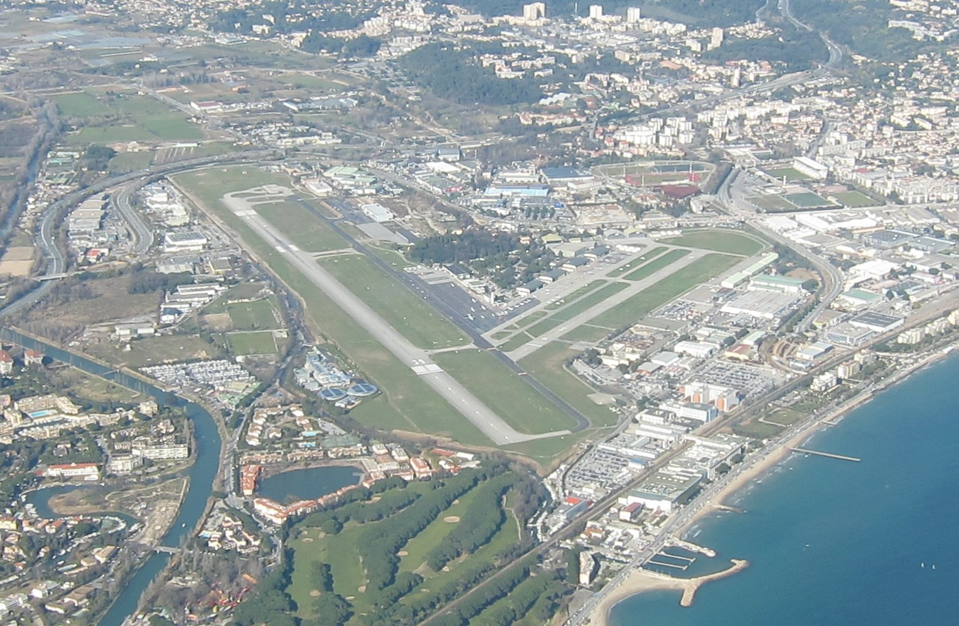Cannes Airport Spotting Hotel