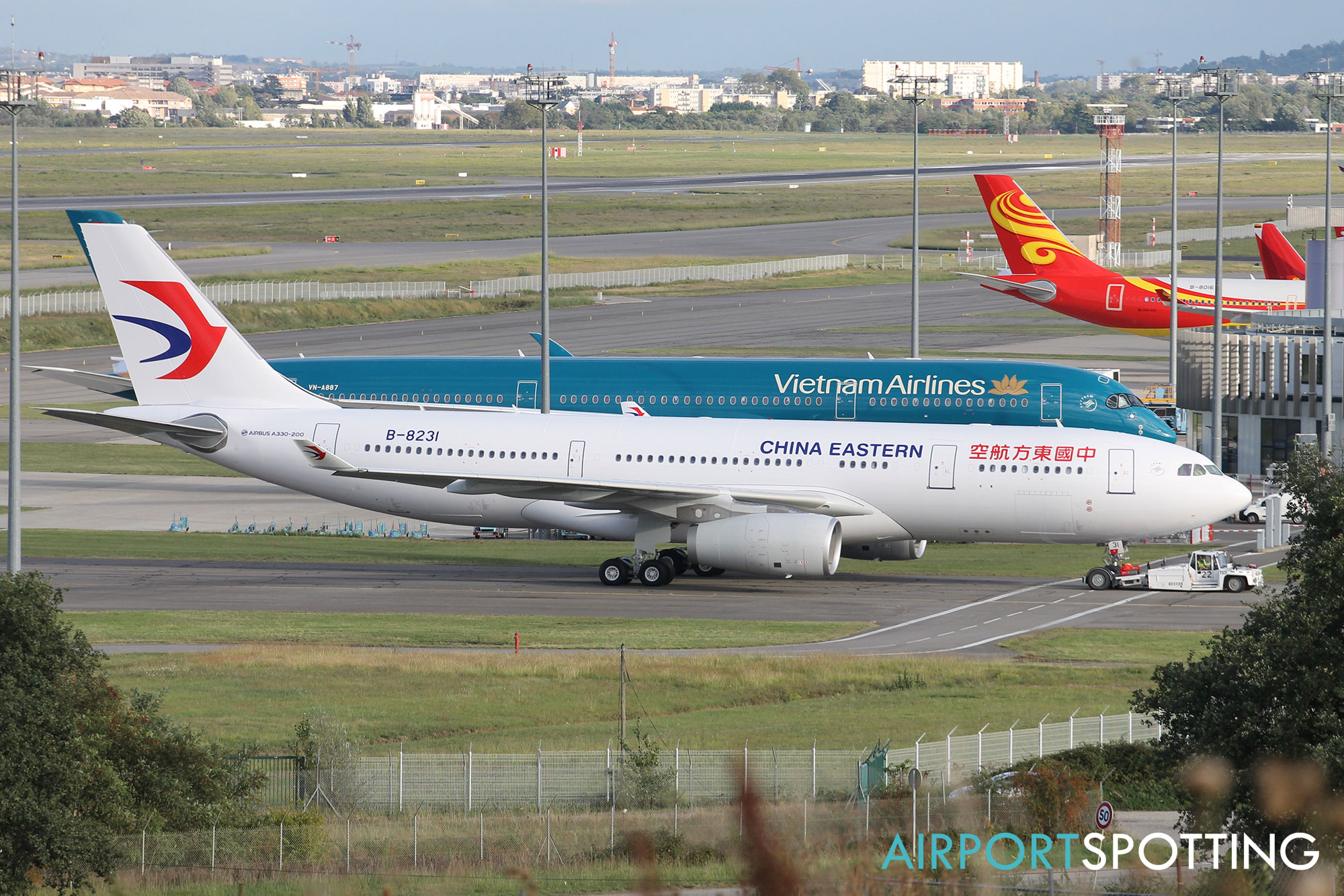 Top 10 world 39 s largest airlines airport spotting blog - China eastern airlines vietnam office ...