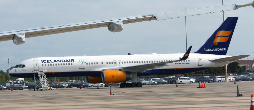 Icelandair TF-FIN at Orlando