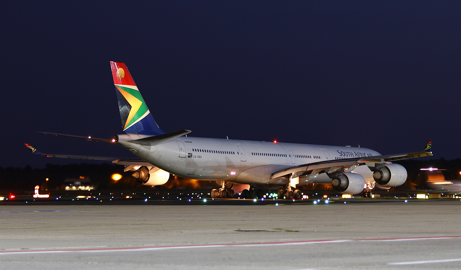 South African Airways Airbus A340-600 at Frankfurt