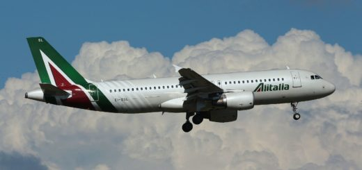 By Alessandro Ambrosetti from Rome, Italy (EI-DSL - Airbus A320 - Alitalia) [CC BY 2.0 (http://creativecommons.org/licenses/by/2.0)], via Wikimedia Commons