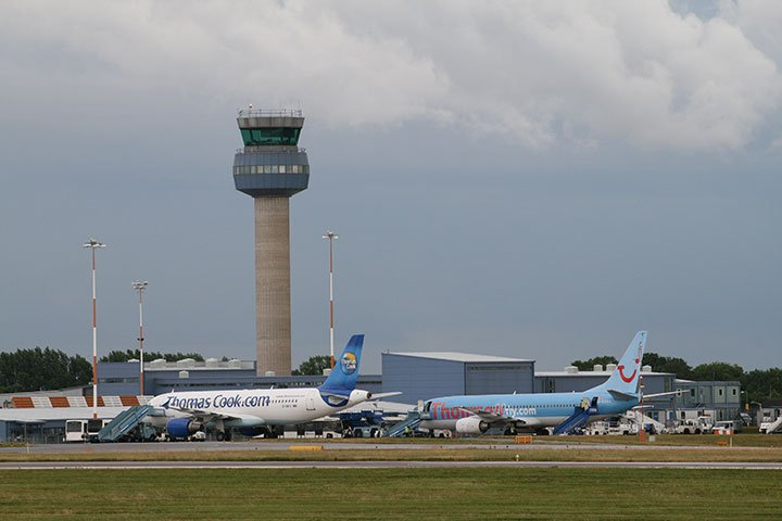 east-midlands airport spotting