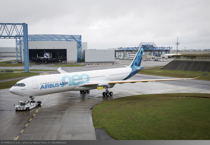 first_a330neo_paint_shop_rollout_2