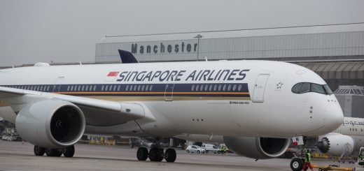 Singapore Airlines A350 makes its inaugural trip to Manchester Airport low res