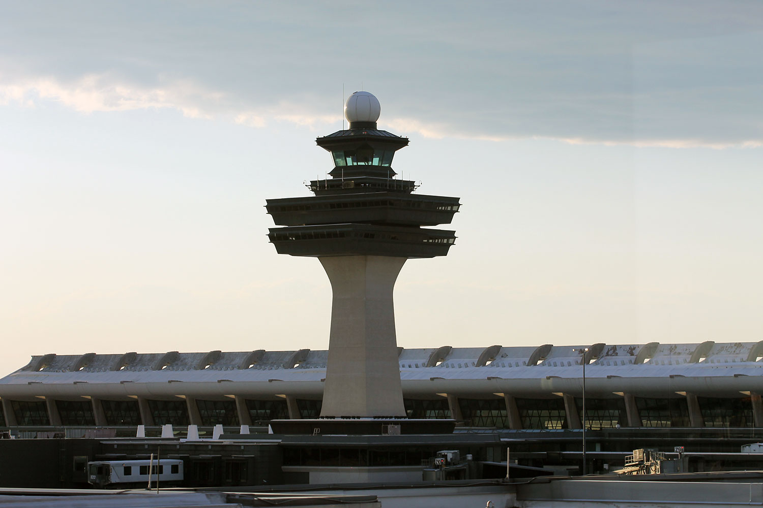 washington dulles tower