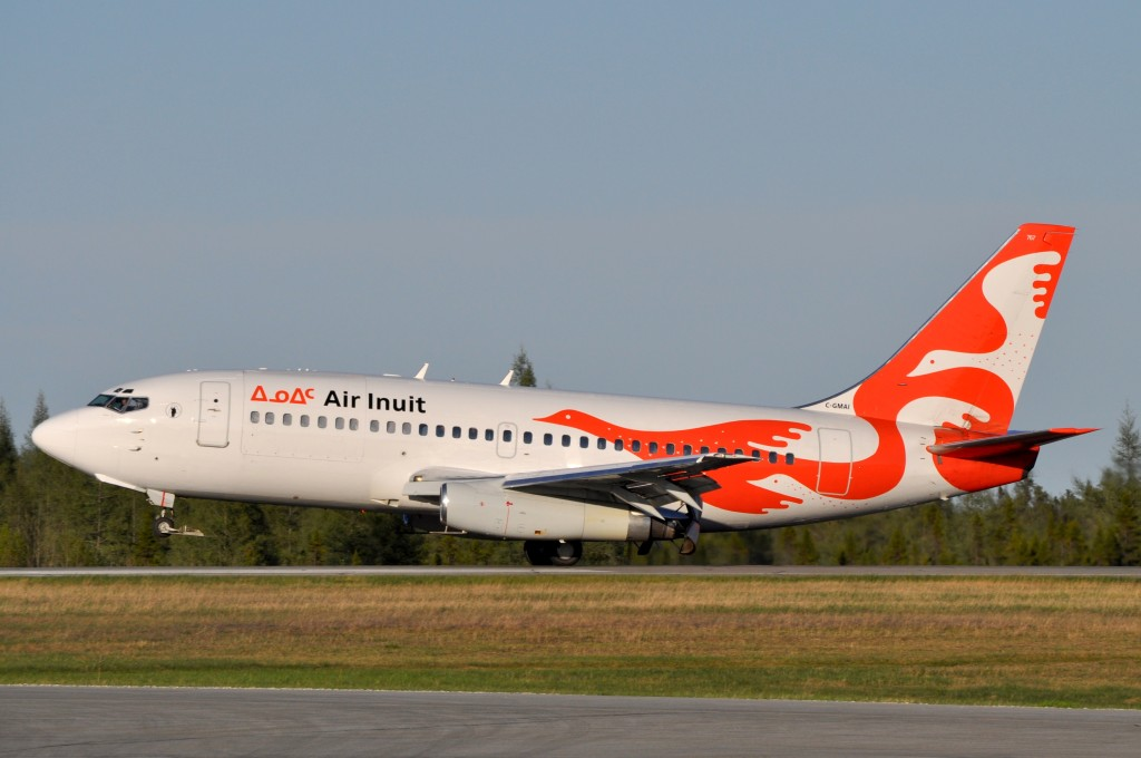 Air Inuit 737-200