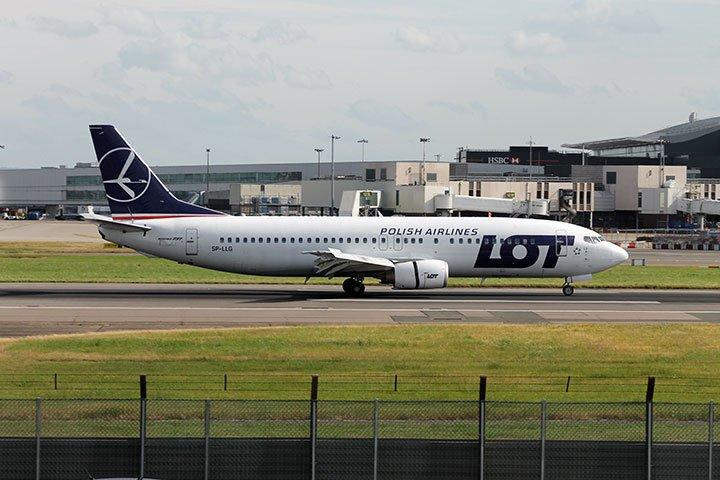 LOT-Boeing-737-400